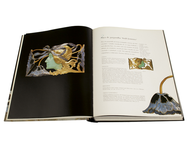 Livro lalique spread 1