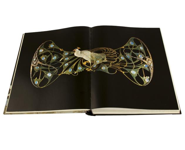 Livro lalique spread 2